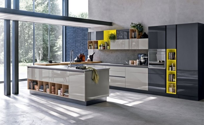 Glossy kitchen in Moscow