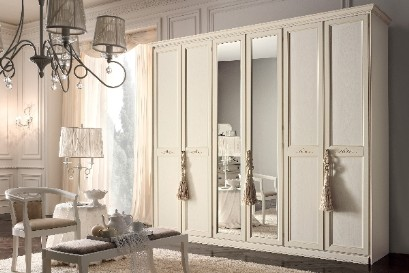 Classic wardrobe with mirror