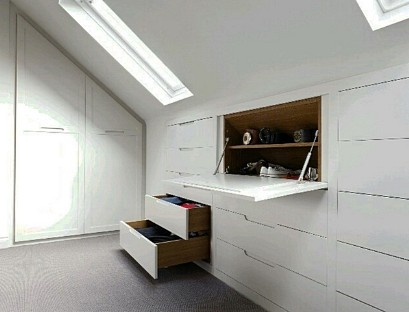 Built-in chest of drawers on the attic floor 2